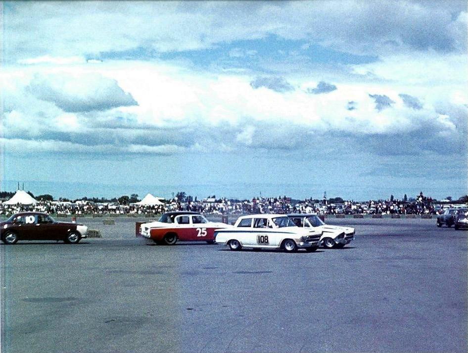 1964 Wigram 18 January #25 Dennis Marwood Humber 80
