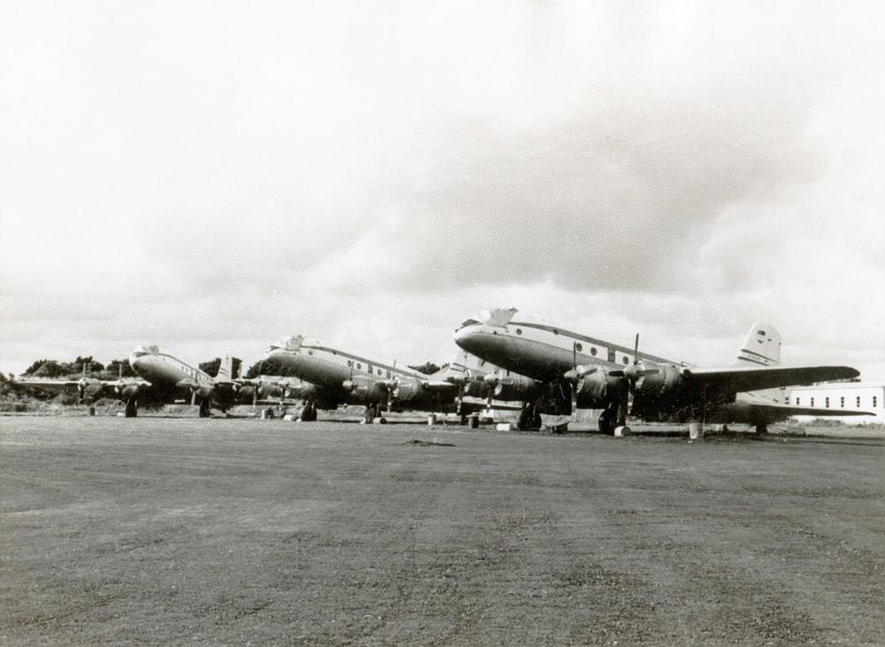 1967 Ohakea – RNZAF Handley Page Hastings CMK3 transport aircraft in long term storage From left NZ5801, NZ5803, NZ5802 – photo Jim Barclay