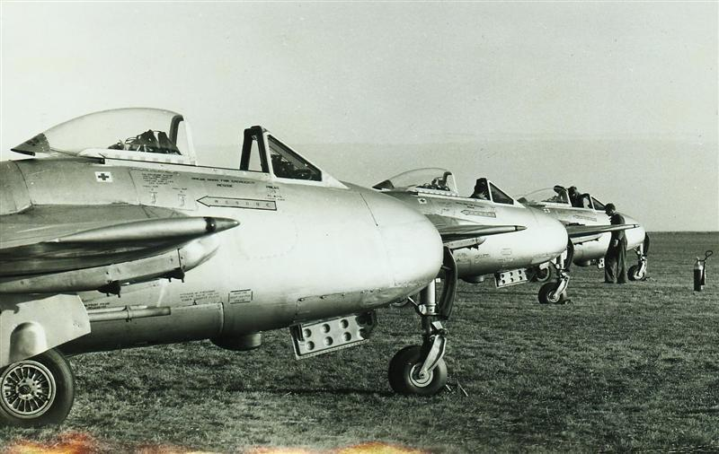 75 Sqn Vampire FB5s – Exercise Kea Claw Tented Camp – New Plymouth Airfield