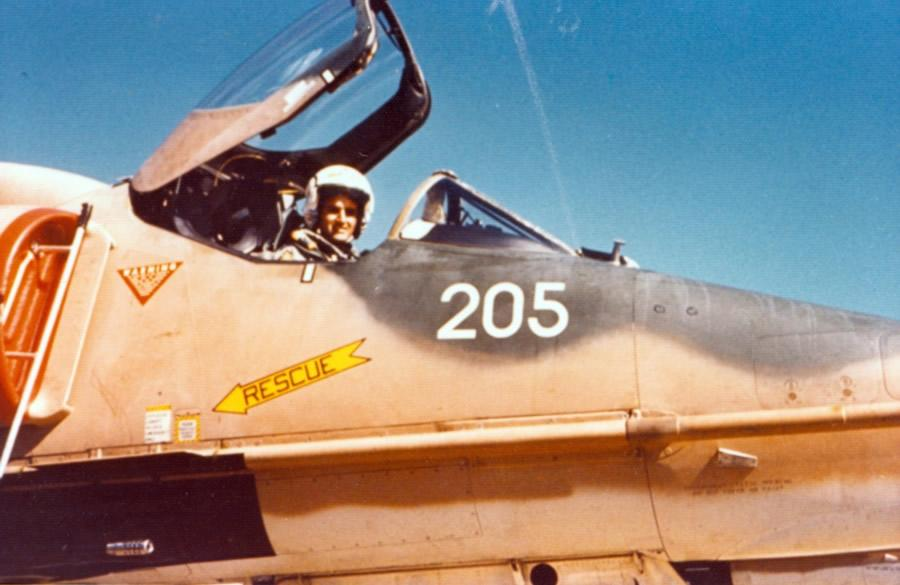 Flt Lt Jim Barclay in A4K Skyhawk NZ6205 before departing from RAAF Base Darwin, Sunday 10th June 1973 – photo by Lt Larry Pfitzenmaier, USN