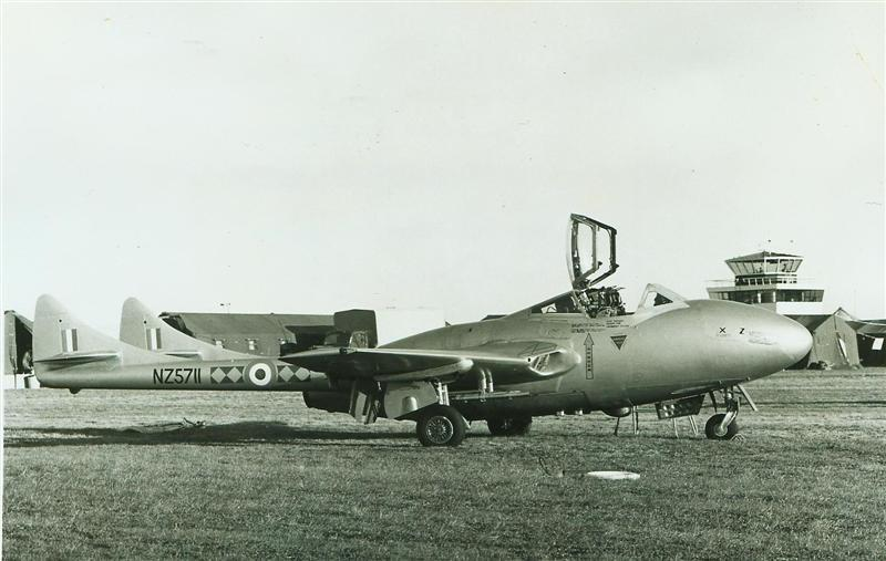 Vampire T11 5711 Exercise Kea Claw Tented Camp RNZAF Photo G3 1713